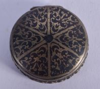 A 19TH CENTURY CONTINENTAL NIELLO SILVER BOX. 33 grams. 3.5 cm diameter.