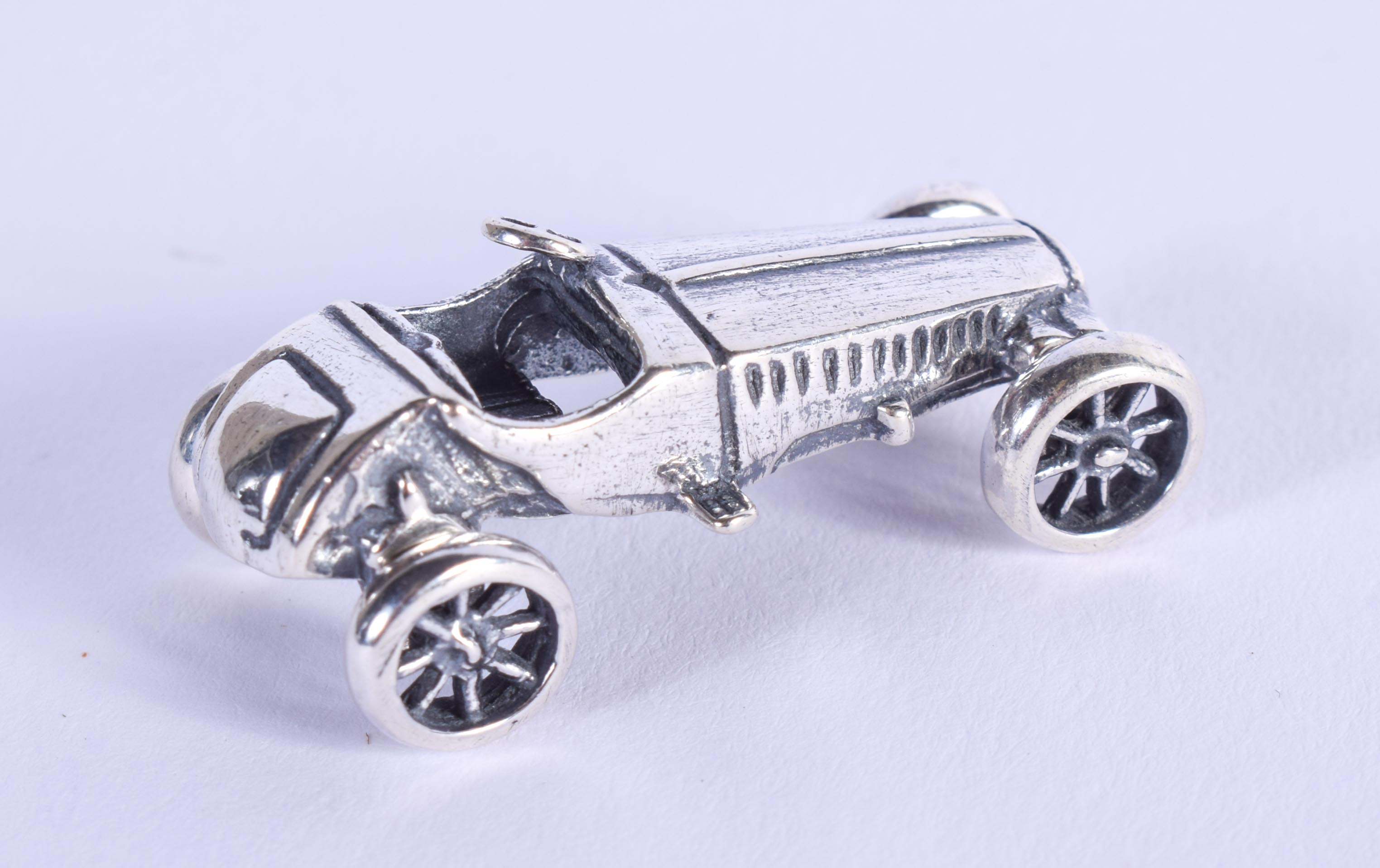 A SILVER CAR. 3.5 cm wide. - Image 2 of 3