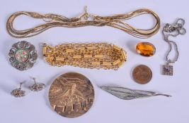 ASSORTED YELLOW METAL JEWELLERY together with a brooch etc. (qty)