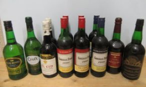 12 bottles of Sherry comprising 4 bottles Gonzalez, Byass Jerez La Concha Sherry, 2 bottles