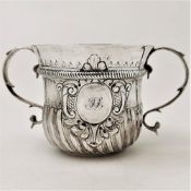 A GEORGE II EARLY 18TH CENTURY SILVER PORRINGER, London, 1727 by Thomas Tearle