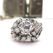 A FINE PLATINUM DIAMOND ART DECO CLUSTER / ENGAGEMENT / DRESS RING, with unusual shape and mix of