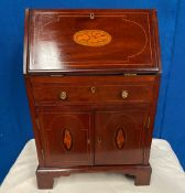 A VERY FINE MINIATURE MAHOGANY INLAID TABLE TOP BUREAU / SECRETAIRE, 'M. Butler of Dublin' stamp and