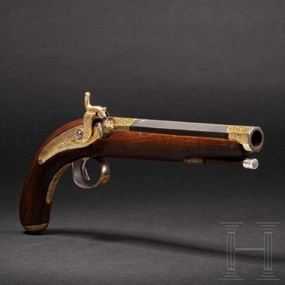 Lot 2056 - An Indian gold-damascened percussion-pistol, 2nd half of the 19th centurySchwerer achtkantiger