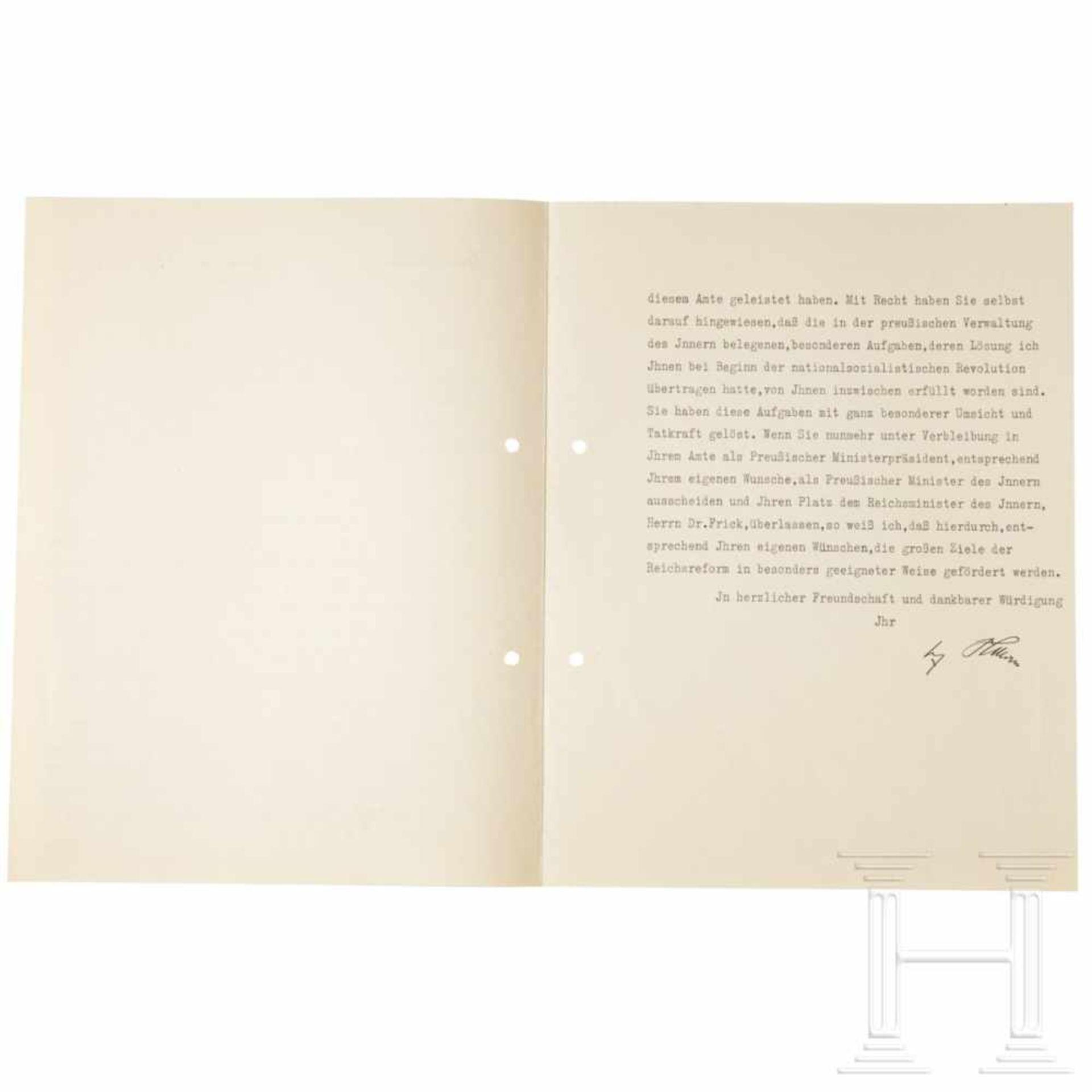 Los 6024 - Persönliches Übersendungsschreiben Hitlers für die Entlassungsurkunde Görings als Preußischer