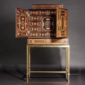 Großes Barock-Kabinett mit feinem Marketterie-Dekor, wohl Antwerpen, 17. Jhdt.Eiche, furniert mit