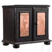 Miniatur-Ebenholzkabinett mit gravierten Kupferplatten, flämisch, 1. Hälfte 17. Jhdt.Weichholz mit