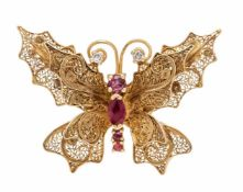 Ruby-diamond pendant butterfly GG 900/000 unmarked, expertized, with 3 round and an ovalfaced ruby 5