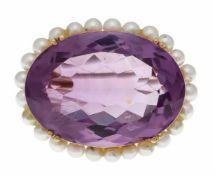 Amethyst-Perlen-Brosche GG 750/000 ungest., gepr., mit einem oval fac. Amethyst 29 x 21 mm