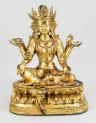 Großer Buddha Shakyamuni, China/Tibet, wohl 19. Jh., Bronze vergoldet. Auf einem doppelten