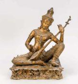 Bronzefigur eines Lautenspielers, Thailand, 19./20. Jh., Bronze mit Goldlack/Goldstaffage.