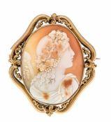 Gemme-Brosche GG 440/000 ungest. gepr., um 1880 mit einer feingeschnitzten, ovalen