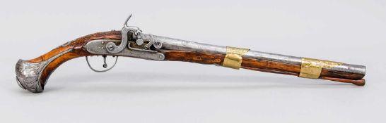 Perkussionspistole, rabisch, 18. Jh. (im 19. Jh. aptiert/ehem. Steinschlosspistole).