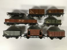 EIGHT HORNBY DUBLO WAGONS TO INCLUDE FOU