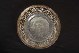 A FINE 17TH/18TH CENTURY VENETIAN VETRO A RETICELLO LATTICINIO GLASS PLATE with folded rim and