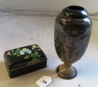 A cloisonne vase decorated reserves of dragons (sa/f) and a cloisonne box decorated flowers on a