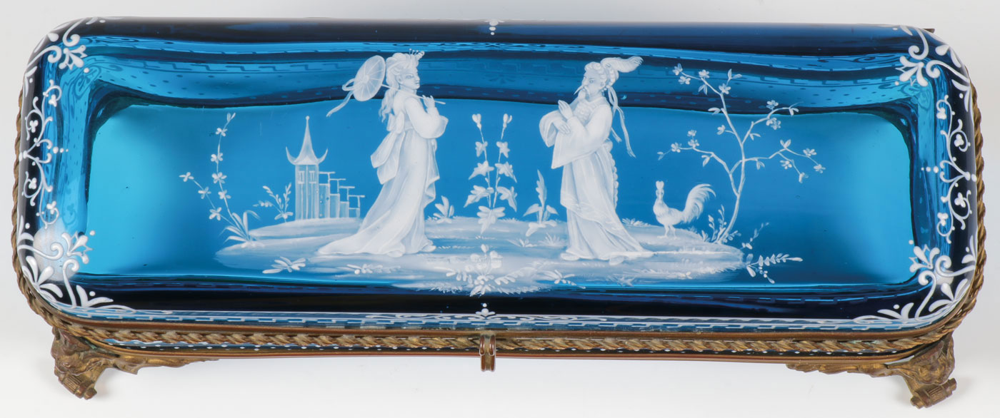 Lot 27 - A MARY GREGORY GLOVE BOX, C. 1890