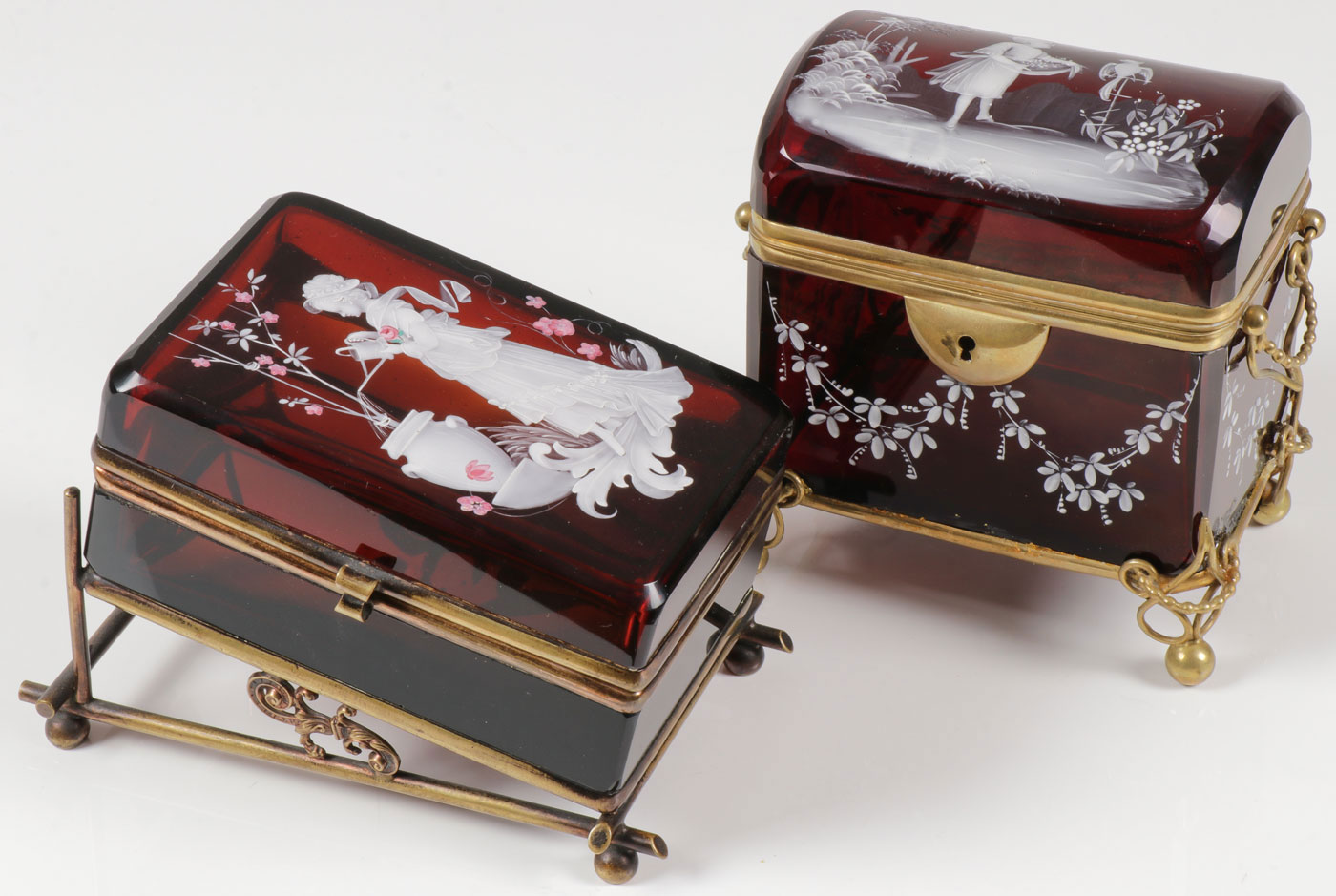Lot 38 - PAIR EXCEPTIONAL MARY GREGORY BOXES, C. 1890