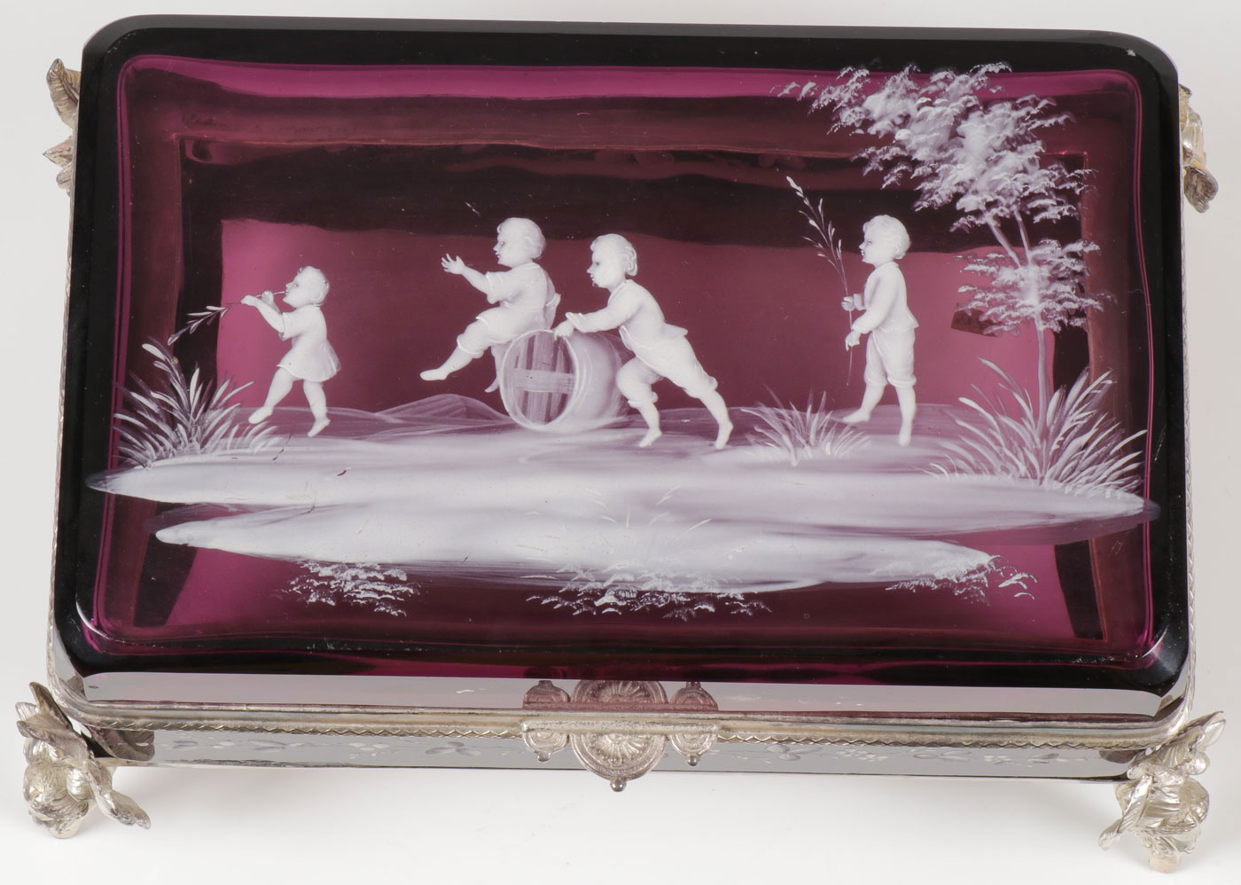 Lot 37 - LARGE MARY GREGORY AMETHYST BOX