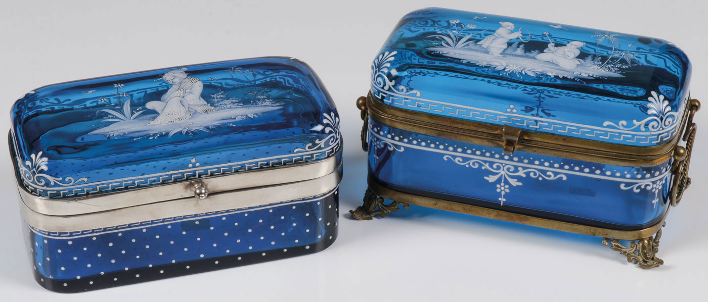 Lot 32 - PAIR OF EXQUISITE MARY GREGORY BOXES, C. 1890
