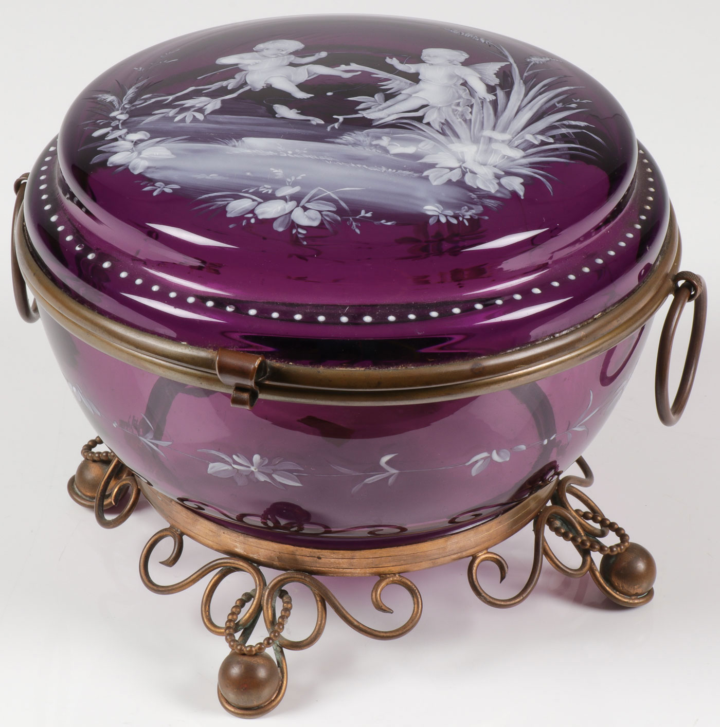 Lot 41 - A LARGE MARY GREGORY GLASS BOX