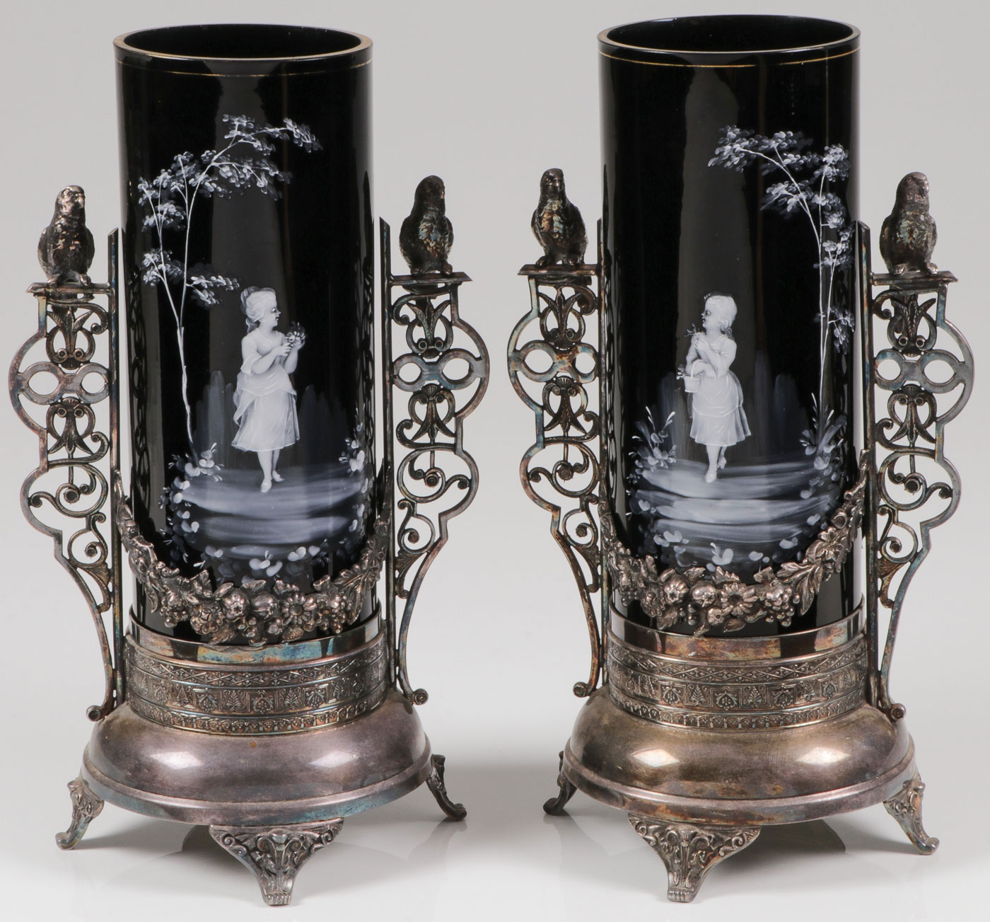 Lot 52 - EXCEPTIONAL MARY GREGORY MANTLE VASES, C. 1880