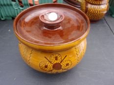Barefoot Somerset Pottery - Decorative Bowl and Lid