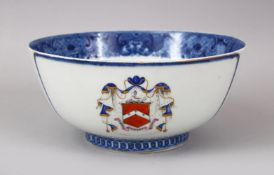 A FINE 18TH CENTURY CHINESE QIANLONG ARMORIAL PORCELAIN BOWL, the bowl with a finely painted band of