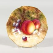A ROYAL WORCESTER SMALL PEDESTAL DISH painted with fruit by Robert, signed, date code 1940.