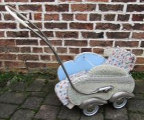Vintage doll's pushchair / pram