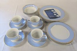 Unused Royal Doulton 2004 20 piece dinner service