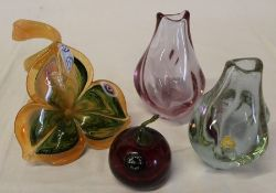Murano glass flower, 2 small vases (1 bearing makers label) & Phoenician glass apple