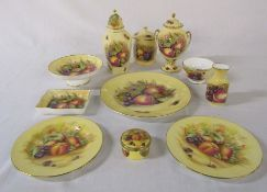 "11 pieces of Aynsley Orchard Gold / Fruit and Berries consisting of small bowl H 3"" and preserve pot"