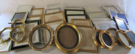 32 assorted picture / photo frames