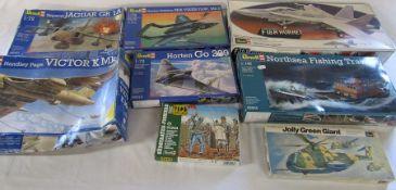 8 Revell model kits inc Handley Page Victor K Mk 2, Horten Go 229, Northsea fishing trawler and F-