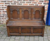 Reprodux Furniture dark oak settle L 125 cm H 103 cm D 40 cm