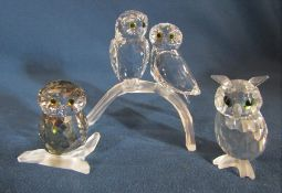 Selection of Swarovski owls - night owl H 5 cm 206138, brown owl 103326 and pair of owls H 8 cm