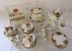 Royal Albert Old Country Roses pattern part tea set including teapot, boxed spoons and cake stand