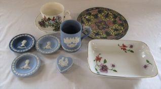 Various ceramics inc Wedgwood, Royal Doulton and Royal Worcester