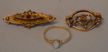 2 9ct gold Victorian/Edwardian brooches & a 9ct gold & opal ring total weight 6g