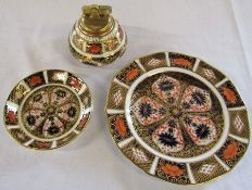 Royal Crown Derby imari pattern 1128 plate D 18 cm, dish D 11 cm (repaired) and table lighter