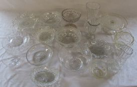 Quantity of glassware inc cake stand, vases and bowls