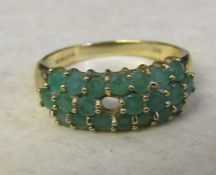 9ct gold emerald cluster ring (missing one stone) size Q/R weight 3 g