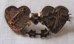 9ct gold double heart Mizpah brooch weight 2.9 g L 4 cm