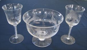 3 pieces of signed Dartington crystal - pair of twisted stem engraved glasses H 18 cm and pedestal
