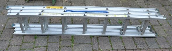 Abru compact ladders (extending to 4.72 m)