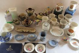 Various ceramics inc Wedgwood, Aynsley, moto ware, Royal Doulton and Royal Worcester