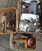 Quantity of tools including spoke shaves, planes, tape measure, vice etc