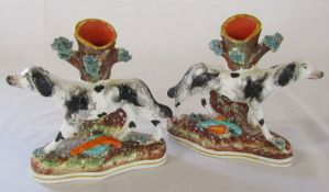 Pair of Staffordshire spill vases in the form of hunting dogs / retrievers H 15 cm