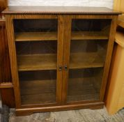 Modern oak effect display cabinet Ht 104cm W 95cm